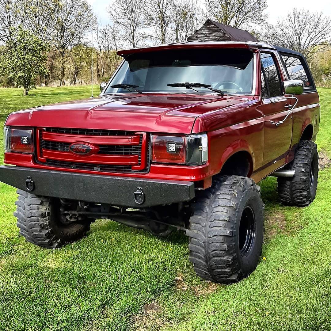 1987 Ford Bronco Eddie Bauer 6.jpg