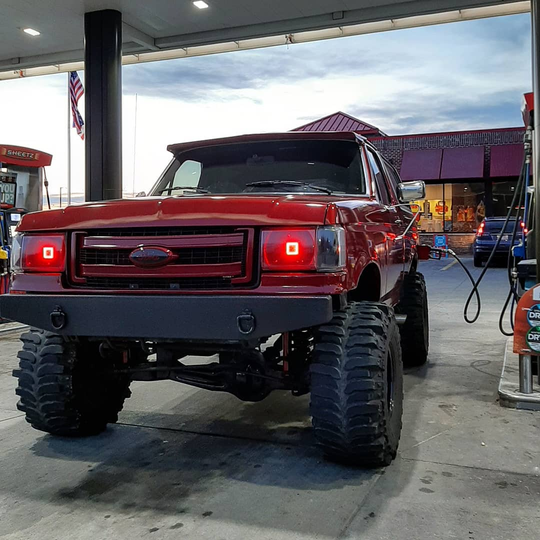 1987 Ford Bronco Eddie Bauer 8.jpg