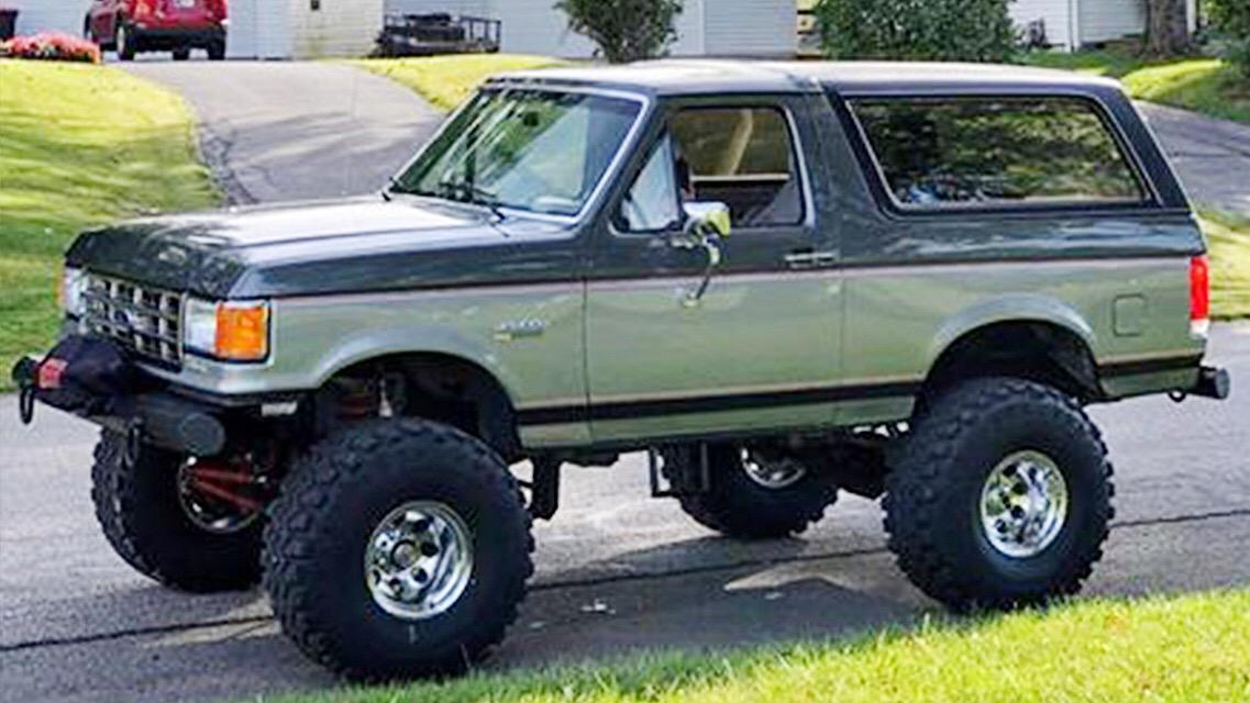 1988 Bronco 302 On 38's Automatic C6.jpeg