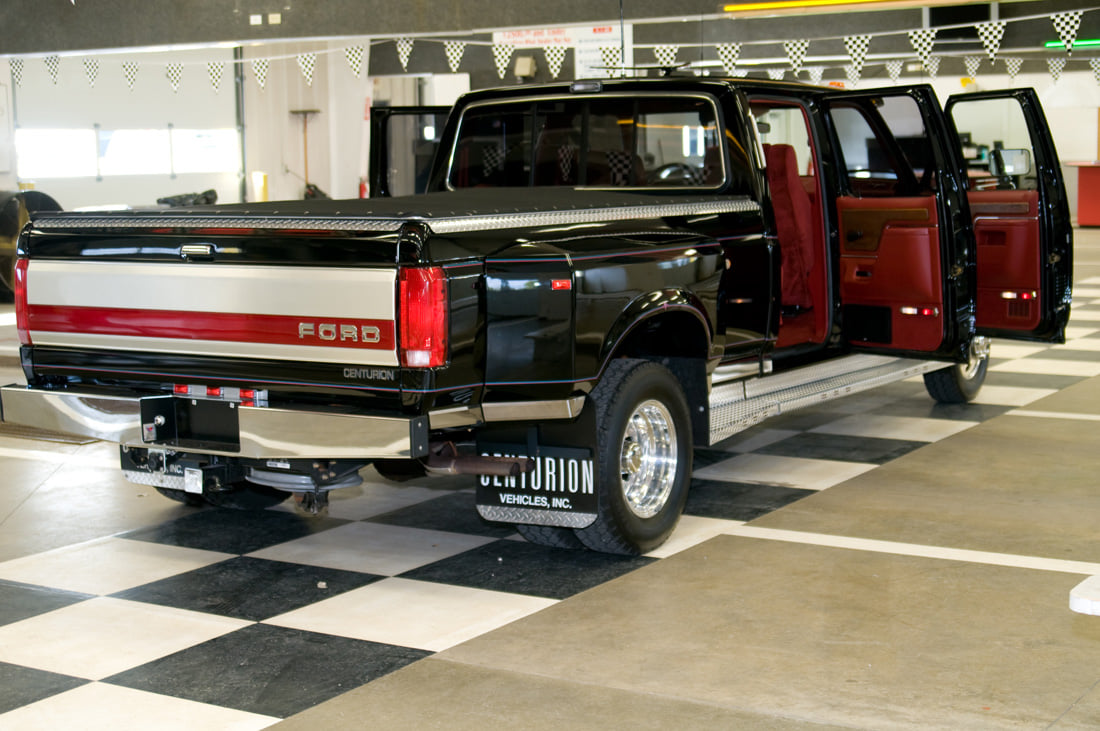 1991 Ford F350 An Luxury Truck of 90s 2.jpg
