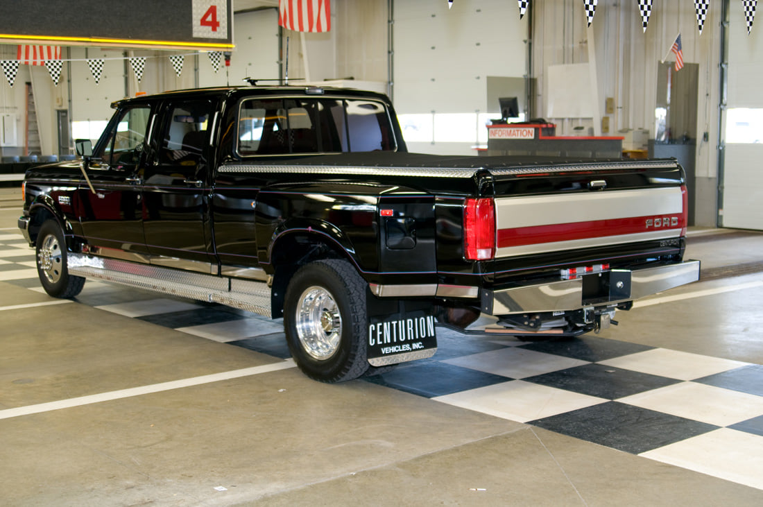 1991 Ford F350 An Luxury Truck of 90s s.jpg