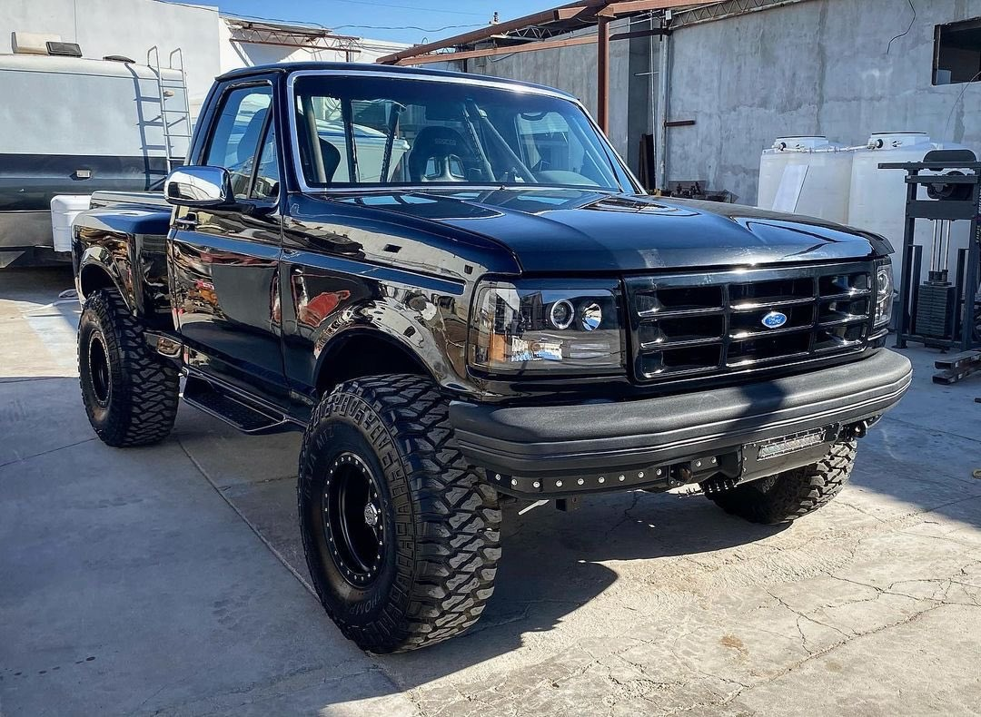 1992 Ford F150 Supercharged Coyote 5.0L 4x4 4.jpg