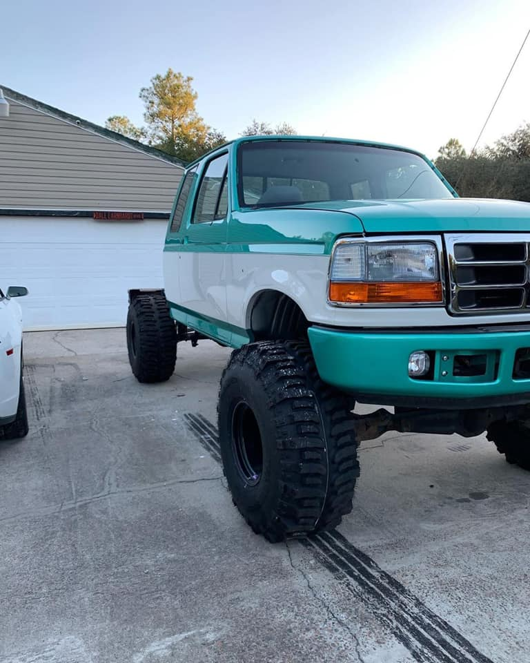 1995 Ford F-150 With 351w 6.4 Bumper Swap And Boggers 6.jpg