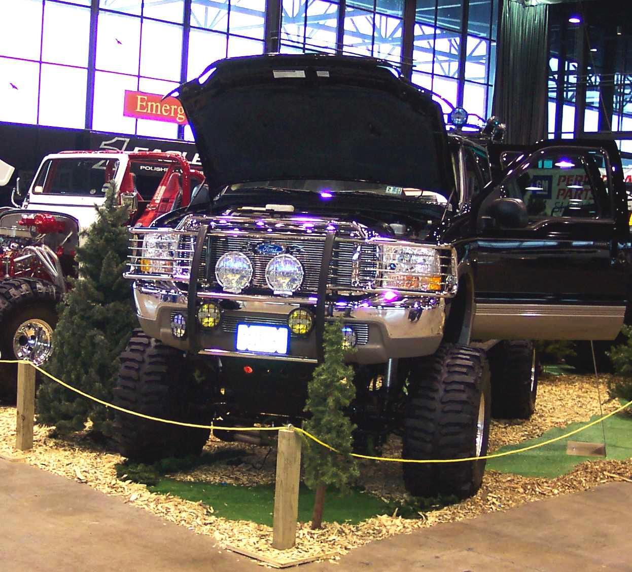 2000 Ford Excursion V10 Triton 4x4 2.jpg
