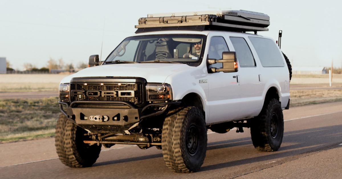 2001 Ford Excursion 7.3 Powerstroke .jpg