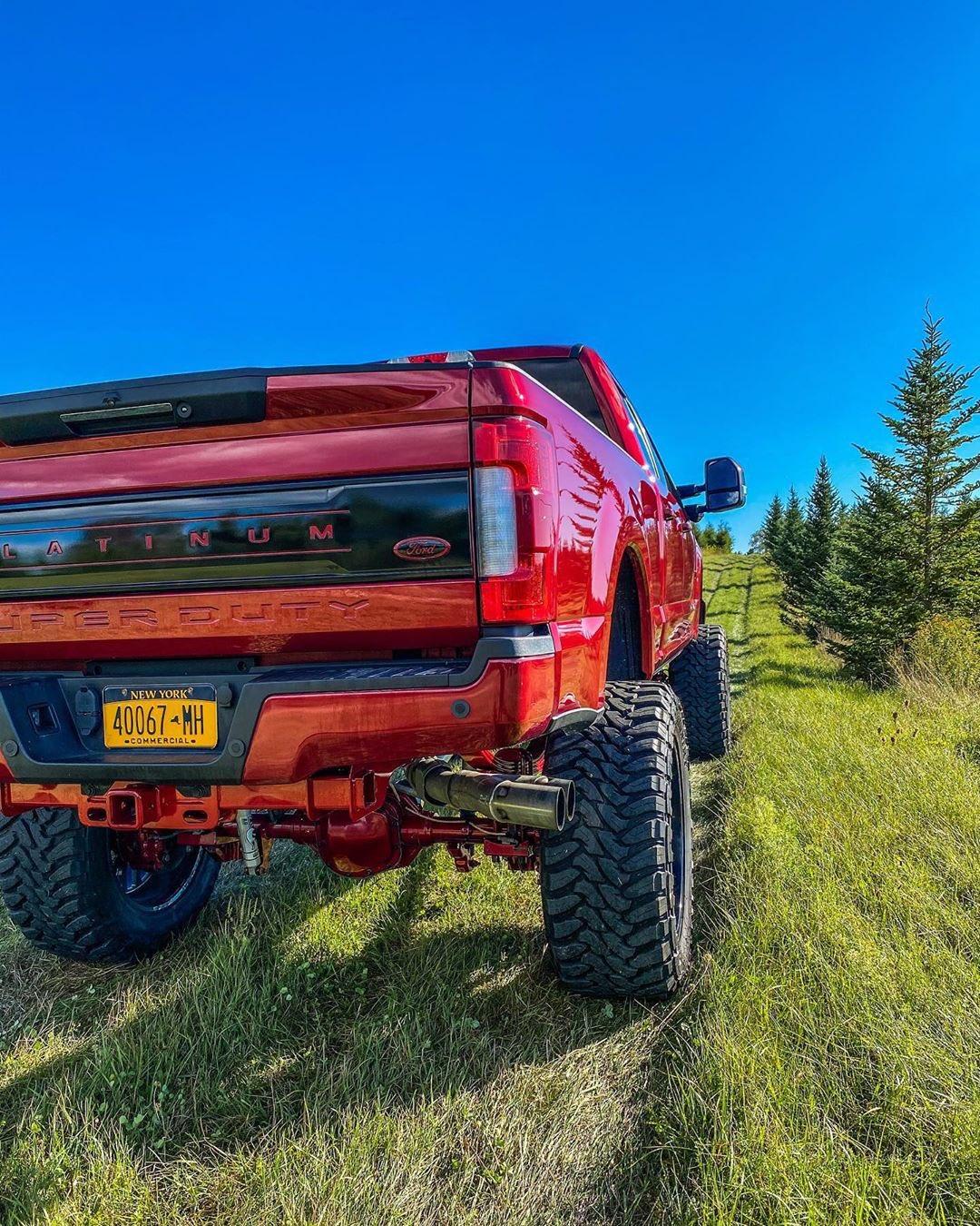 2017-ford-f-250-platinum-ultimate-3-jpg.5804