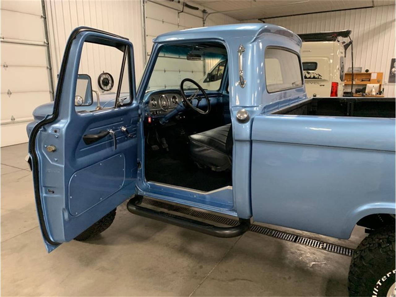20390194-1966-ford-f100-std.jpg