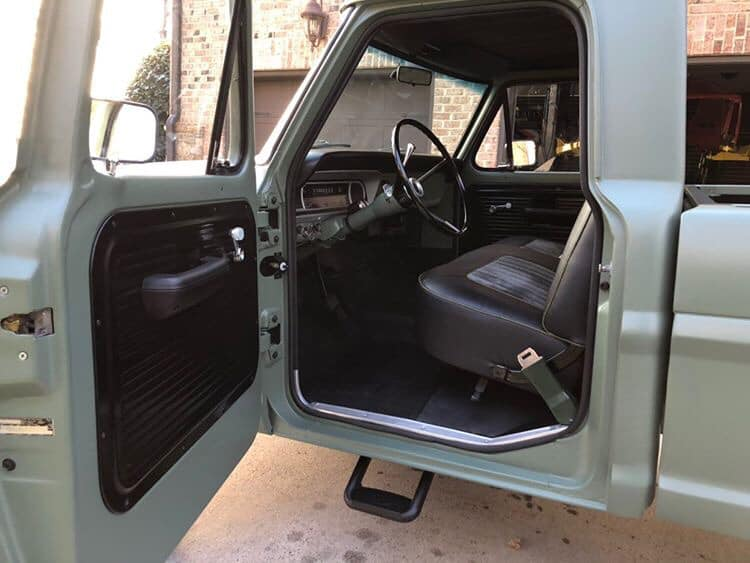 A STORY Of FORD F100 1972 7.jpg