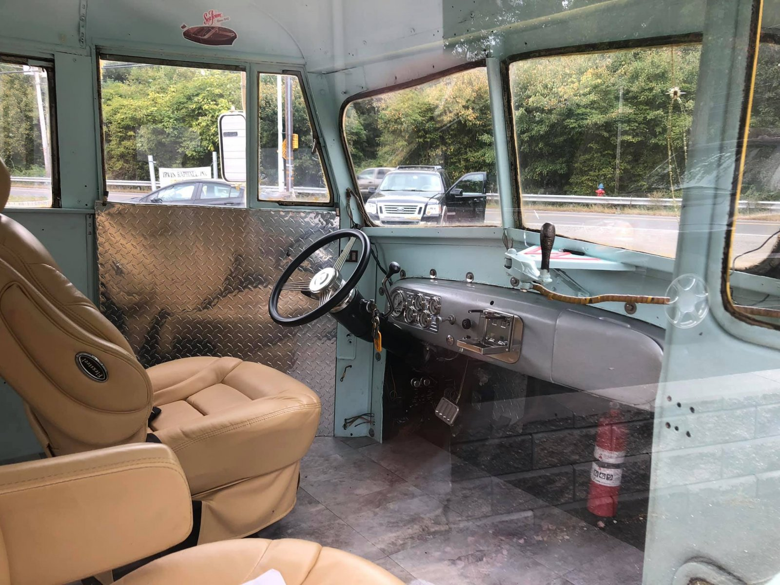 Antique Old Ford School Bus.jpg