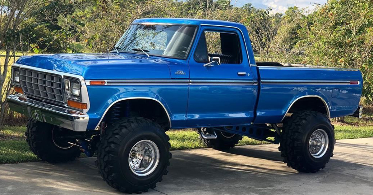 Blue 1979 Ford F-150 4x4 With Super Swampers - Video.jpg