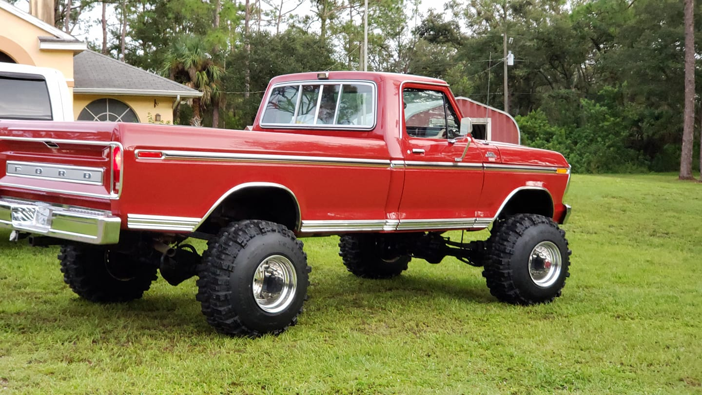 Candy Apple 1979 Ford F350 Ranger XLT With 460 2.jpg