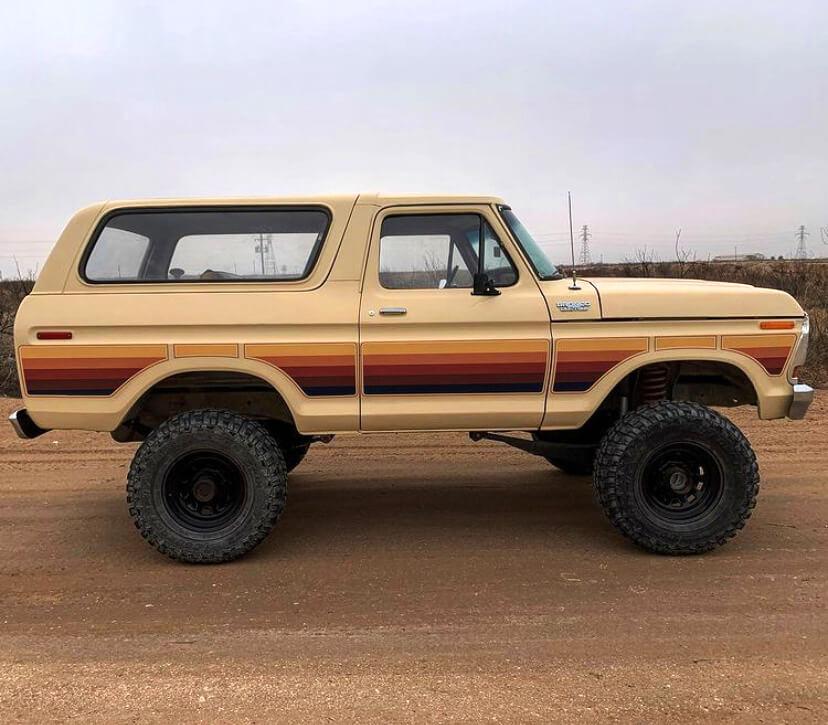 ford-bronco-1978-10.jpg