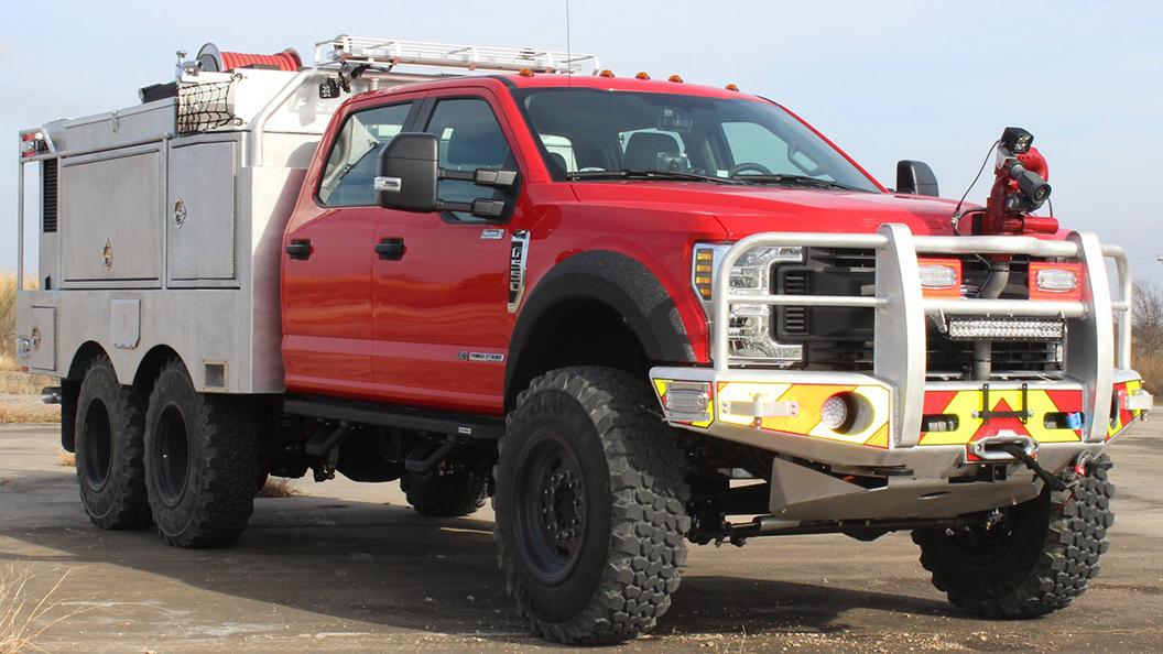 Ford F-550 6x6 Skeeter Brush Truck.jpg