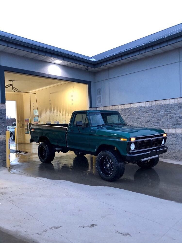 Forest Green 1977 Ford F-250  With a 351m 4x4 3.jpg