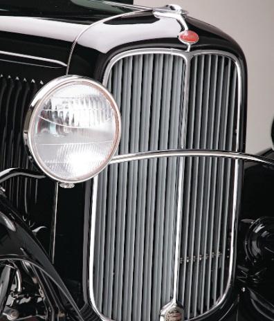 Gorgeous Black Ford 1932 Pickup Truck 5.jpg