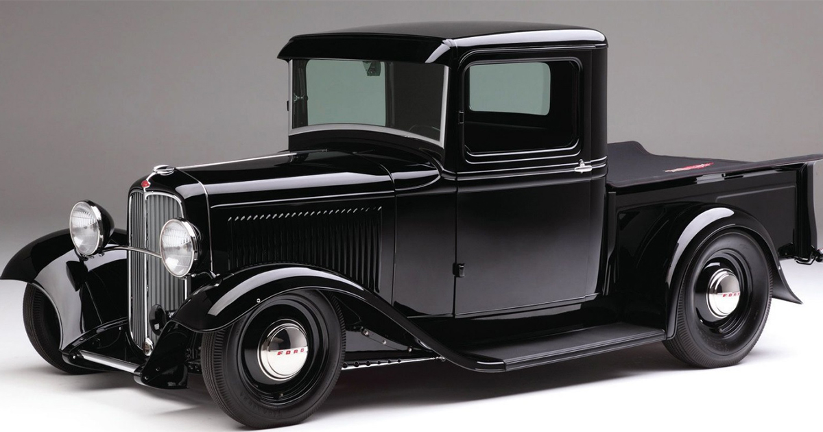 Gorgeous Black Ford 1932 Pickup Truck .jpg