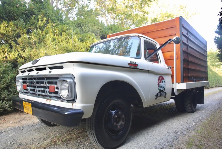 La Jefa (The Boss) 1964 Ford F-350 Flatbed Pick-up Truck 3.jpg