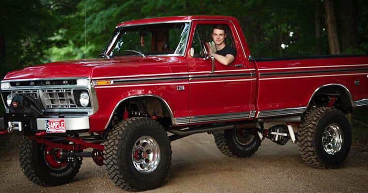Logan Dilts 18 Year Old Built His Dream Truck 1976 Ford F-250.jpg
