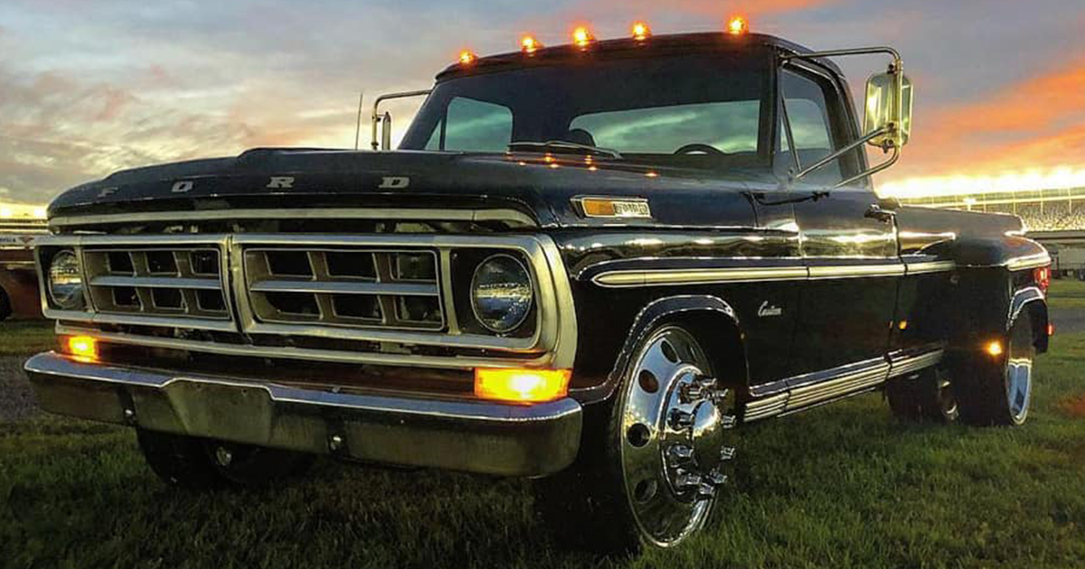 Meet The Unique 1971 Ford F-350 Dually.jpg