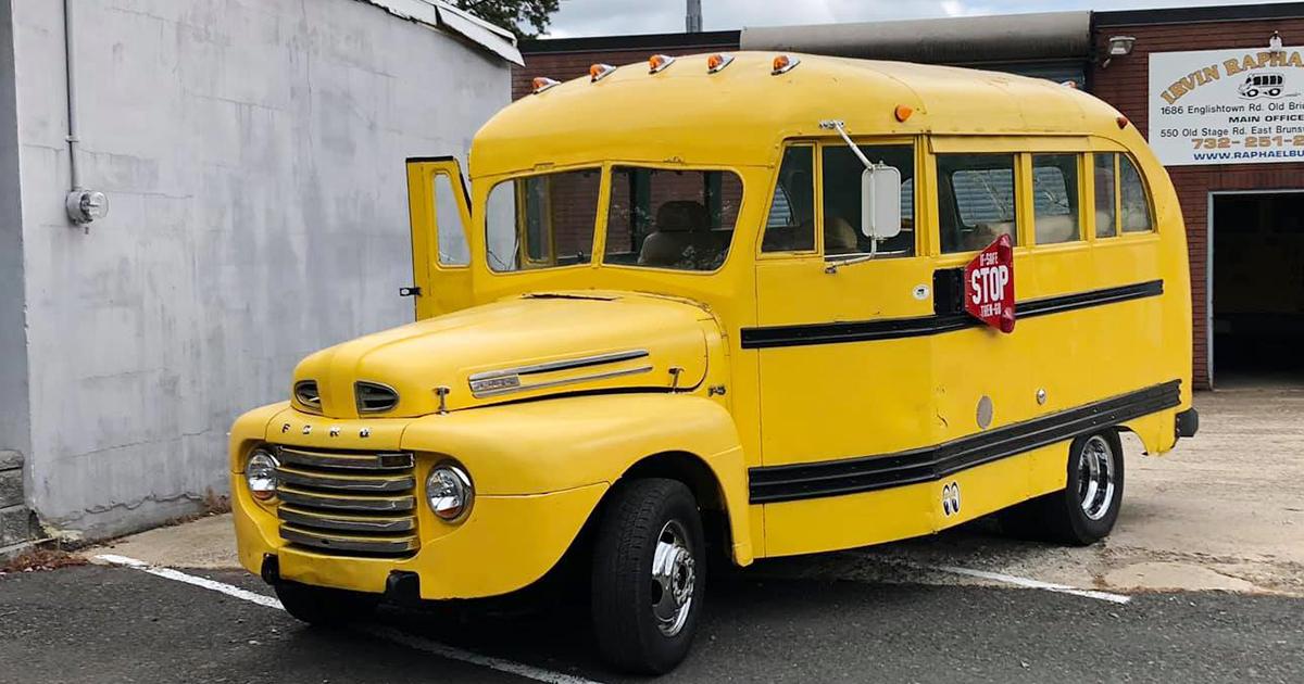 Old Ford School Bus.jpg