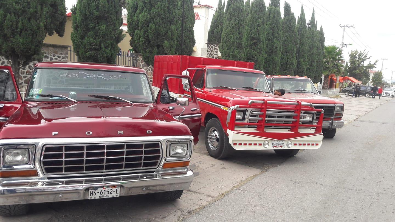 Old Ford Trucks sfww.jpg