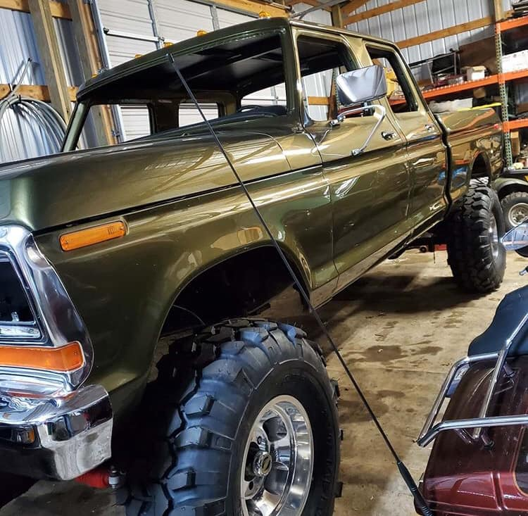 Olive Gold Pearl 1979 Ford F-250 Crew Cab 521 Stroker 8.jpg