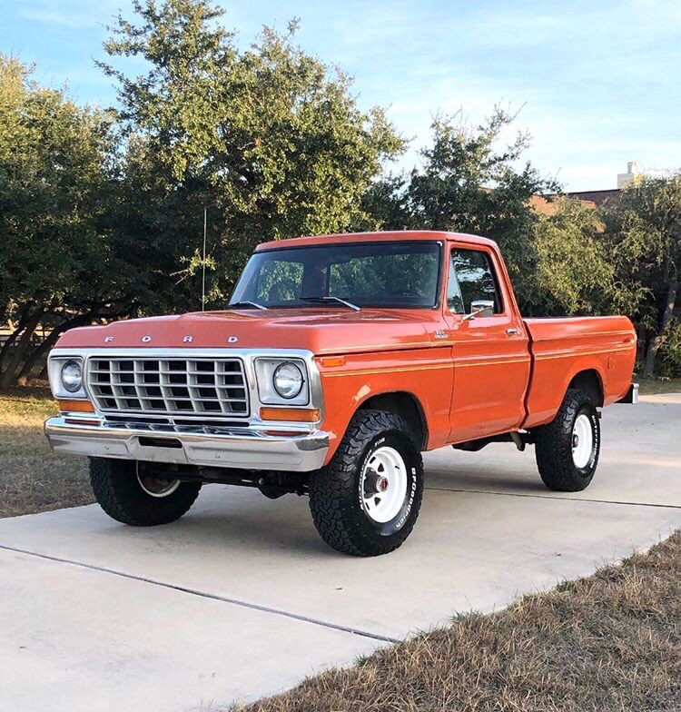 Orange 1978 Ford F-150 400M 4 Speed 4x4 6.jpg