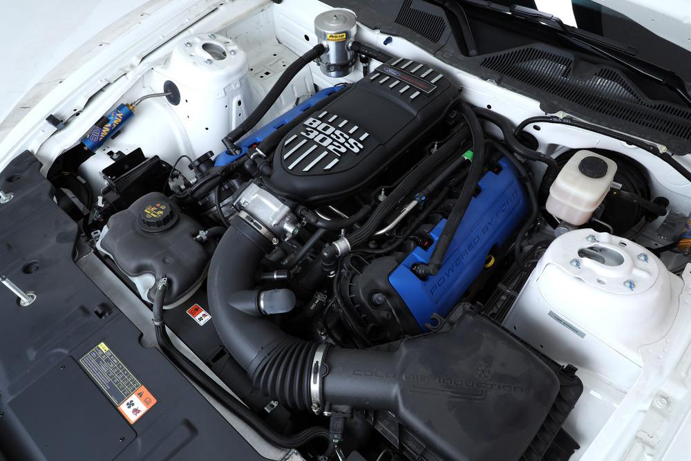 Paul Walker's Personal 2013 FORD MUSTANG BOSS 302S RACE CAR 4.jpg