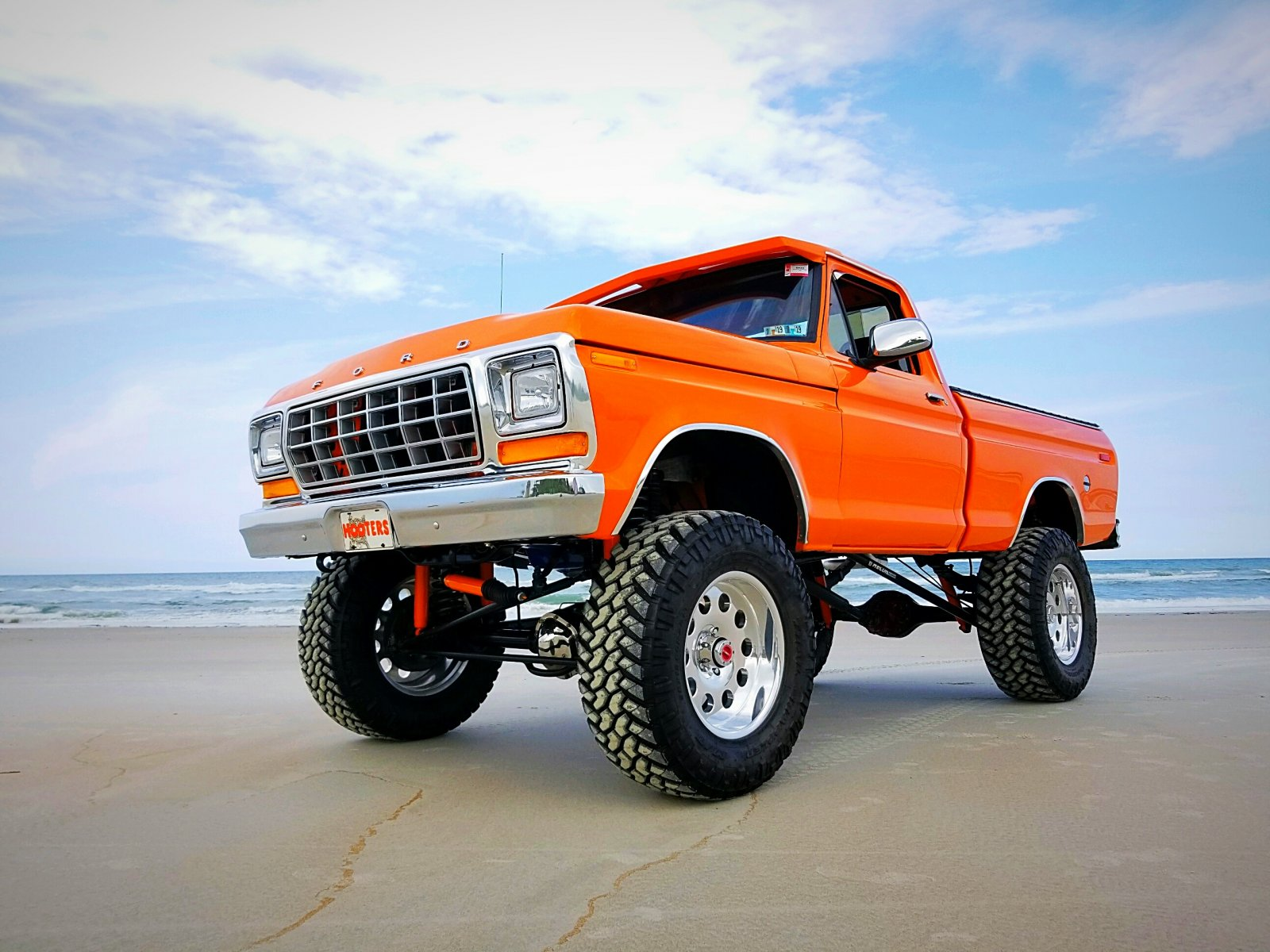 Re-Built 1978 Ford F150 4x4 Orange 7.jpg