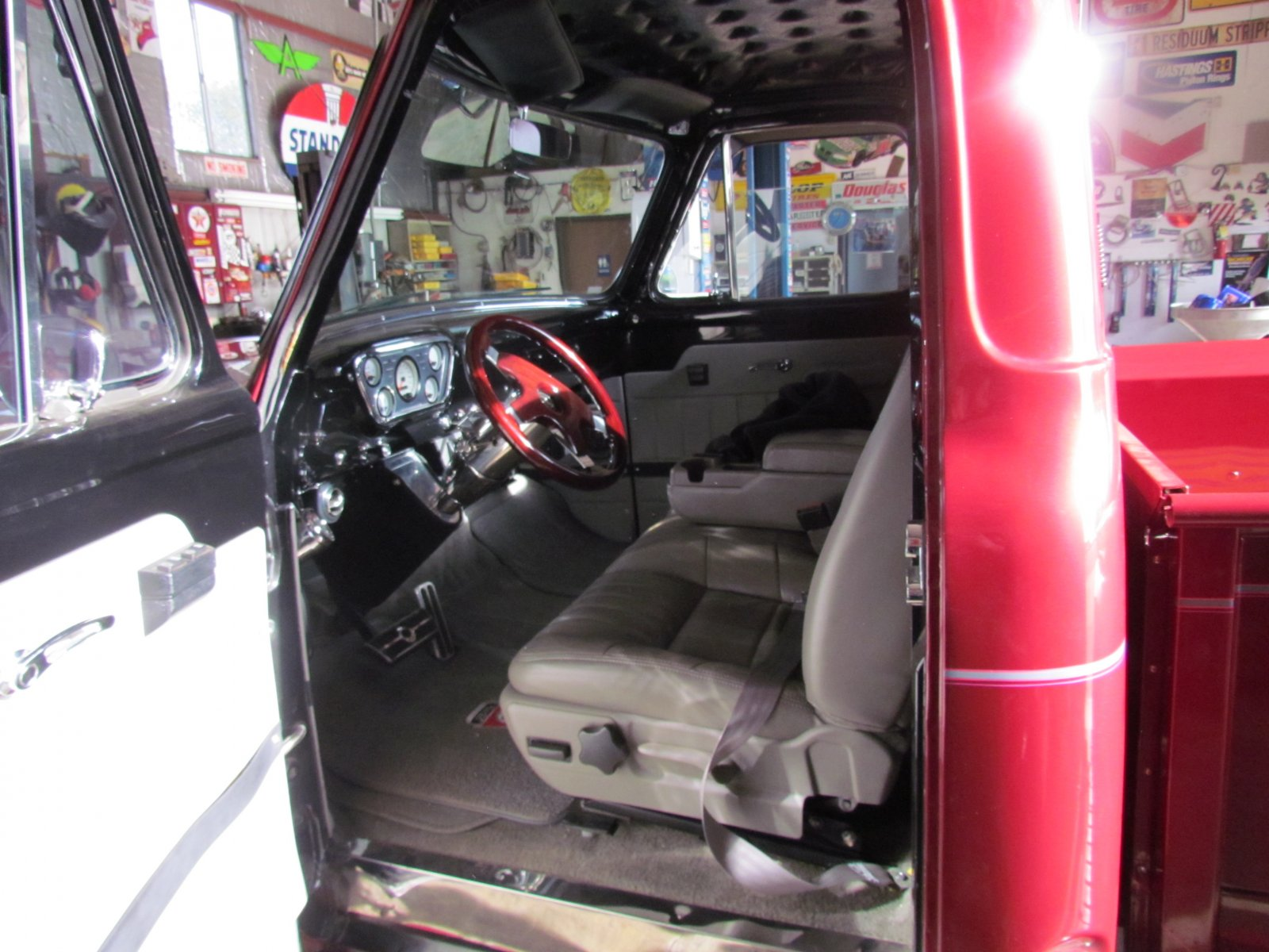 RUBY - 1955 Ford F100 Pickup Truck Crate With a 300HP 6.JPG