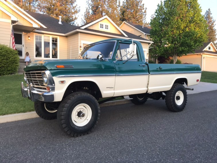 Two Tone Tuesday  1969 Ford F-250 Highboy 4x4 4.jpg