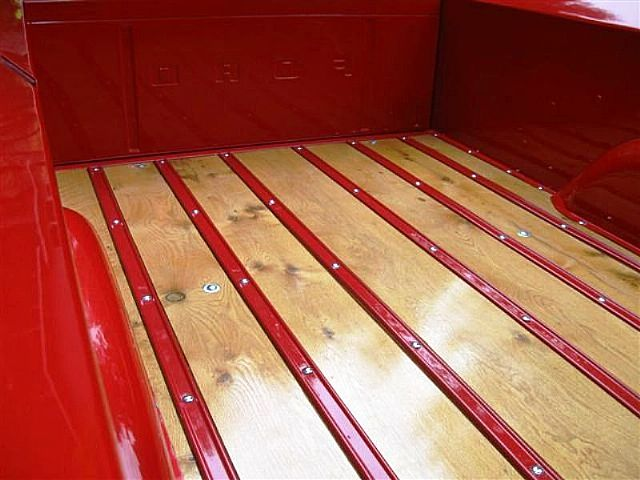 Viper Red 1964 Ford F-250 Flareside Bed 4x4 4.jpg